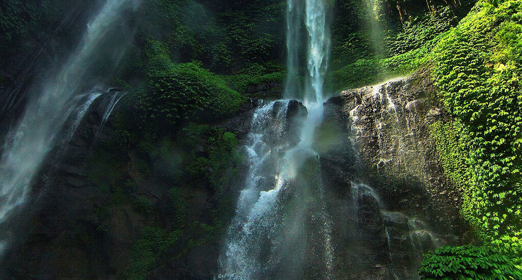 islands-moyo_waterfall
