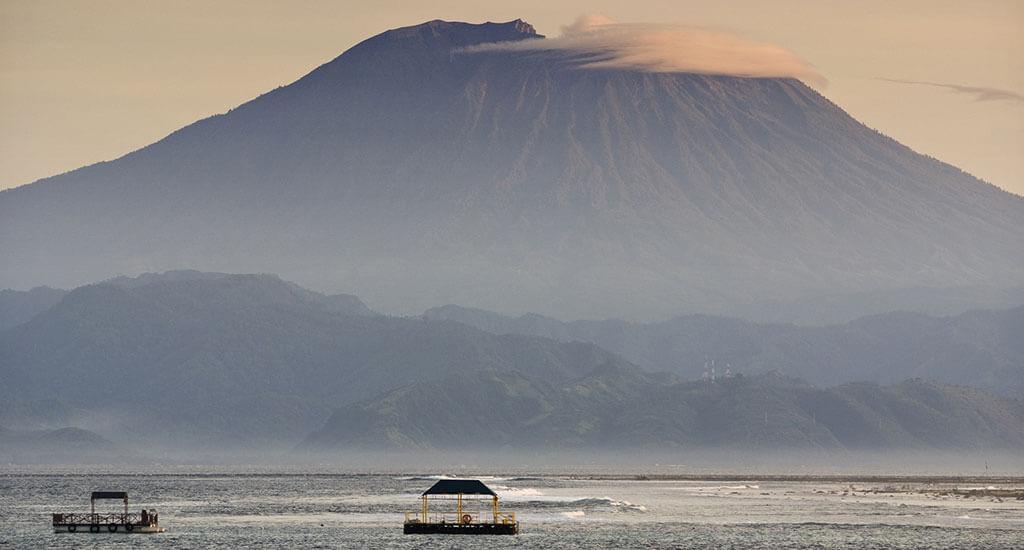 islands_lembongan_mount_agung_bali