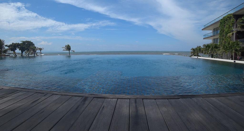 Alila Seminyak Infinity Pool
